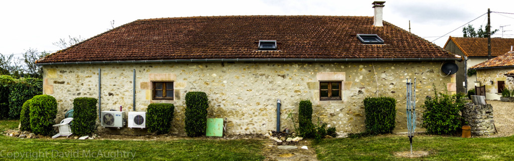 LR barn wall001
